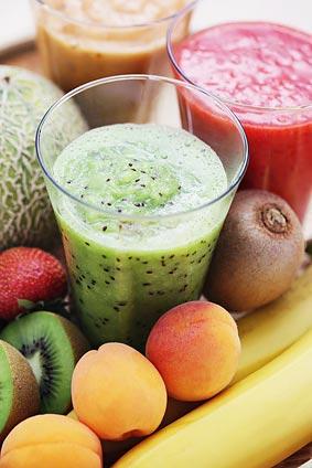 Smoothie aus frischen Früchten - © matka_Wariatka - Fotolia.com