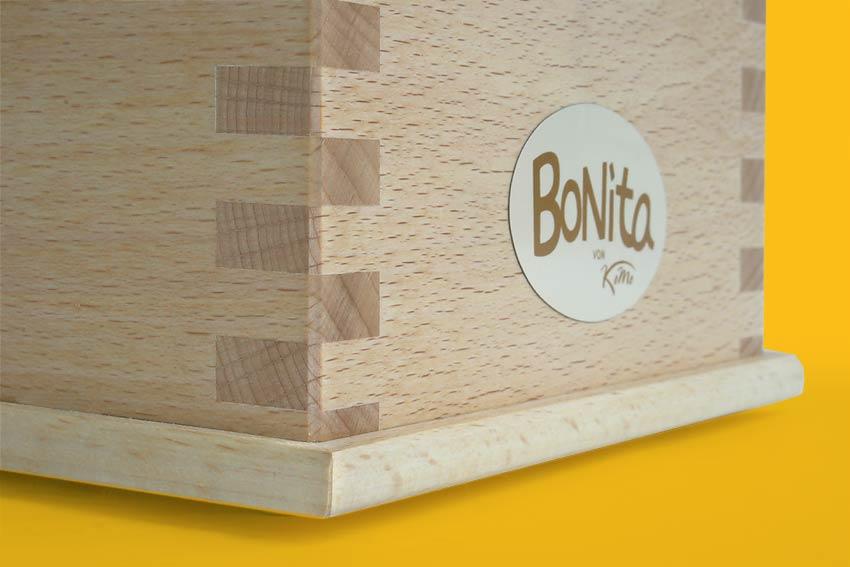 Getreidemühle Bonita Detail - klassische Verzinkung des Gehäuses